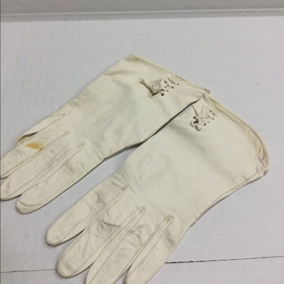 fd56abefe Accessories | Cream Colored Vintage Ladies Gloves | Poshmark